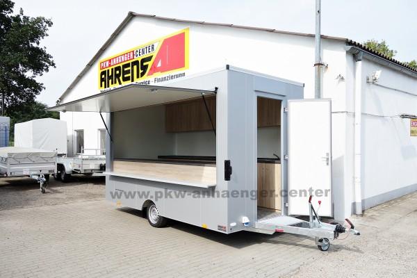 GEBRAUCHT Verkaufsanhänger Seller-XL 4m mit Schränken und Tresen