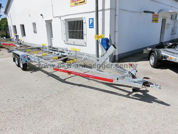 Bootstrailer TEMARED 2500kg für Boote bis ca. 8m