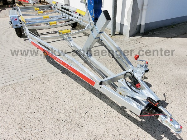 Bootstrailer TEMARED 2700kg für Boote bis ca. 8,5m
